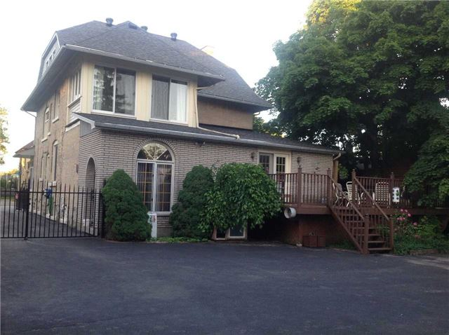 Detached at 540 10th Ave, Hanover, Ontario. Image 1