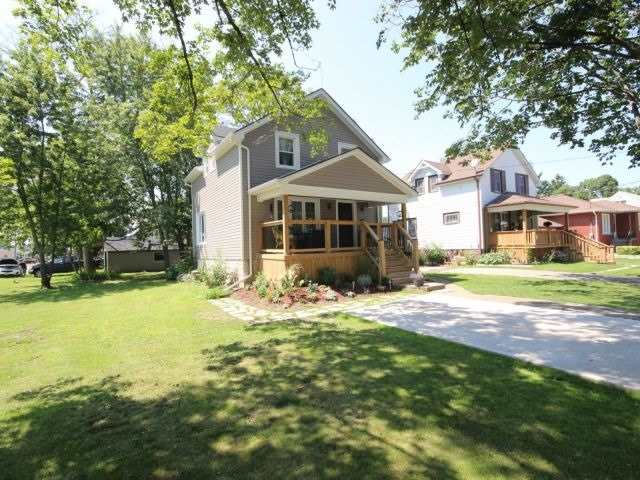 Detached at 56 Forest Ave, Port Colborne, Ontario. Image 12