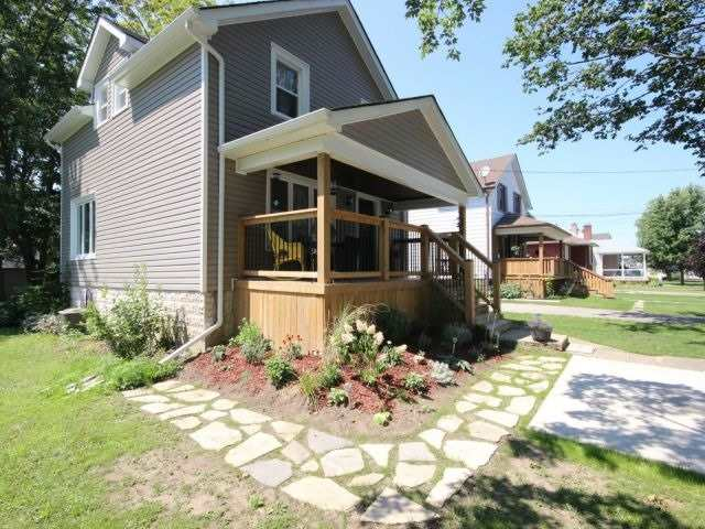 Detached at 56 Forest Ave, Port Colborne, Ontario. Image 13
