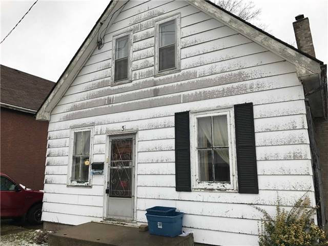 Detached at 5 Elgin St, Brantford, Ontario. Image 1