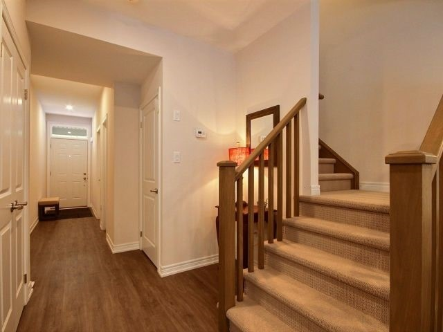 Townhouse at 8 Nelles Rd N, Unit 11, Grimsby, Ontario. Image 12
