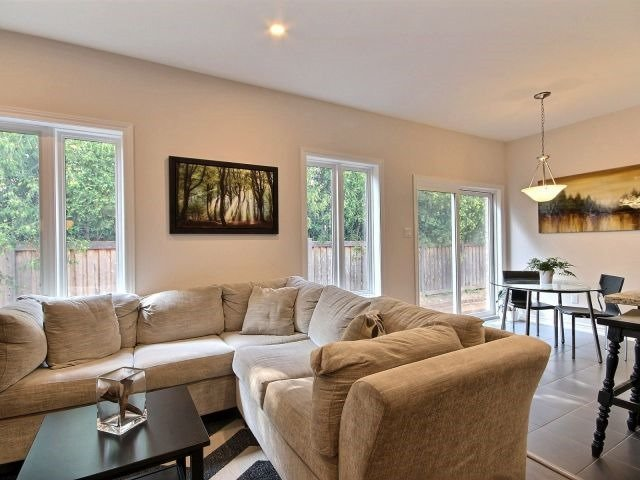 Townhouse at 8 Nelles Rd N, Unit 11, Grimsby, Ontario. Image 14