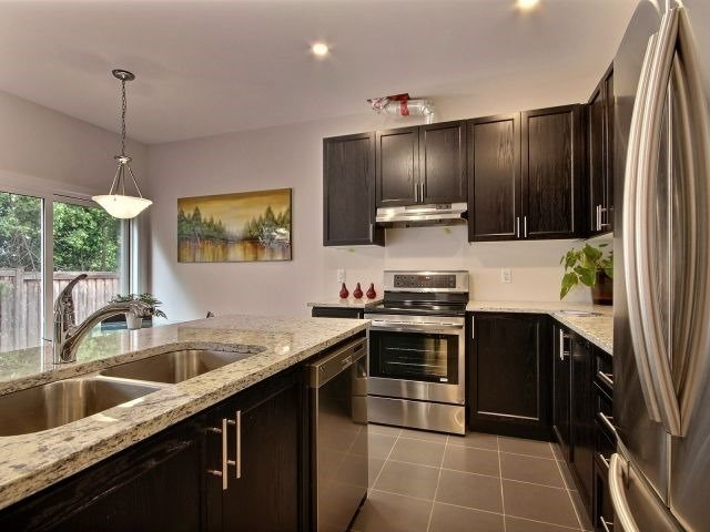 Townhouse at 8 Nelles Rd N, Unit 11, Grimsby, Ontario. Image 15