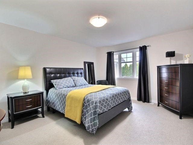 Townhouse at 8 Nelles Rd N, Unit 11, Grimsby, Ontario. Image 3