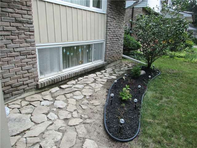 Detached at 31 Gateway Dr, Guelph, Ontario. Image 9