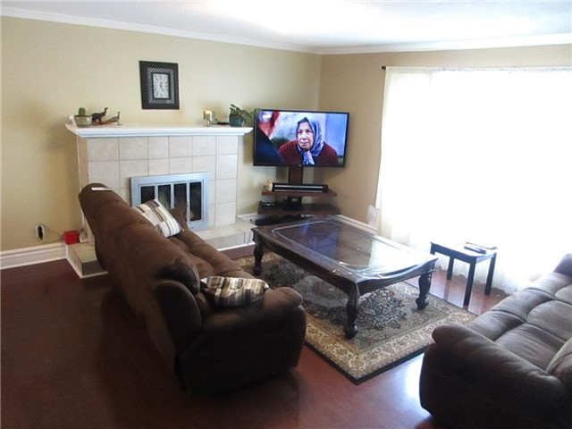 Detached at 31 Gateway Dr, Guelph, Ontario. Image 15