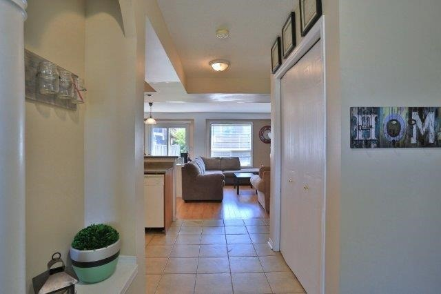 Townhouse at 281 Mcmeeken Dr, Cambridge, Ontario. Image 4