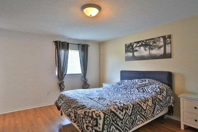 Townhouse at 281 Mcmeeken Dr, Cambridge, Ontario. Image 11