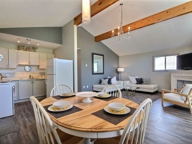 Detached at 32 Lakeview Cres, Norfolk, Ontario. Image 2