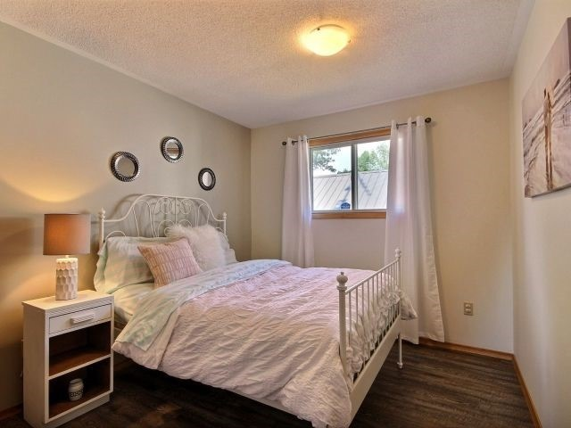 Detached at 32 Lakeview Cres, Norfolk, Ontario. Image 5