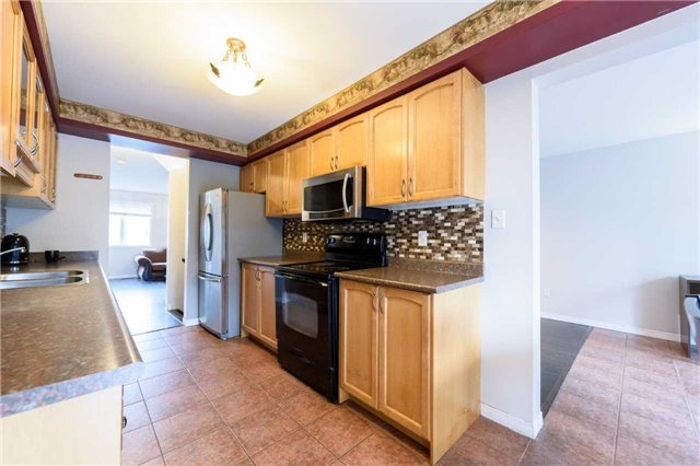 Condo Townhouse at 7 Southside Pl, Unit 24, Hamilton, Ontario. Image 15