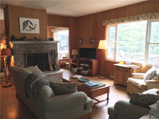 Cottage at 1000 Island 35 Stony Lake, Douro-Dummer, Ontario. Image 11