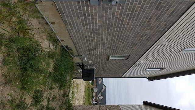 Detached at 107 Rockcliff Dr, Kitchener, Ontario. Image 10