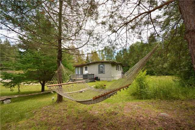 Cottage at 7 Moorings Dr, Kawartha Lakes, Ontario. Image 1