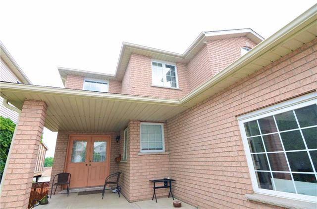 Detached at 96 Flaherty Dr, Guelph, Ontario. Image 10