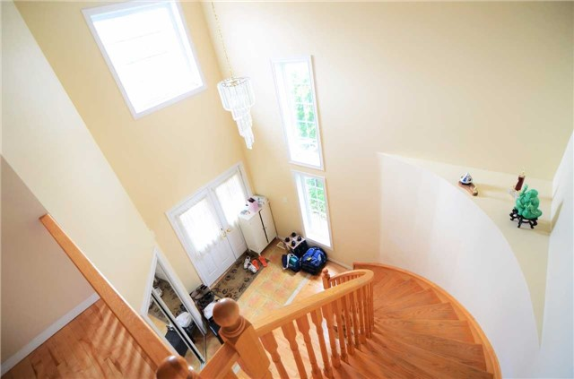Detached at 96 Flaherty Dr, Guelph, Ontario. Image 12