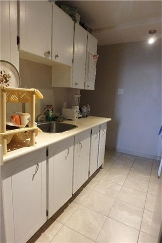 Condo Apartment at 1105 Jalna Blvd, Unit 1111, London, Ontario. Image 13