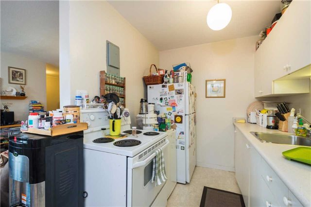 Condo Apartment at 1176 Hamilton Rd, Unit 308, London, Ontario. Image 4