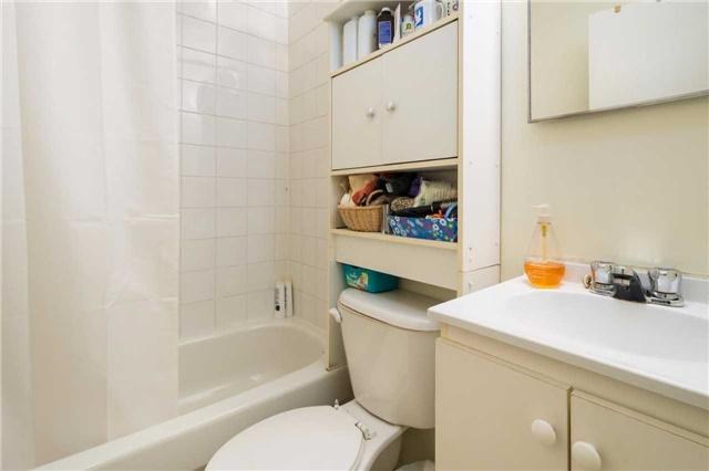Condo Apartment at 1176 Hamilton Rd, Unit 308, London, Ontario. Image 7