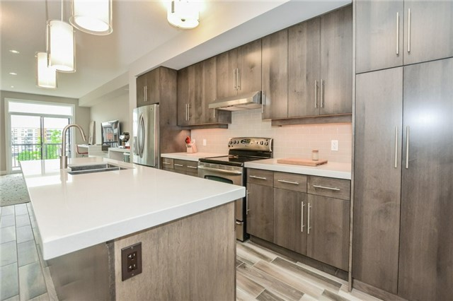 Condo Townhouse at 60 Arkell Rd, Unit 21, Guelph, Ontario. Image 14