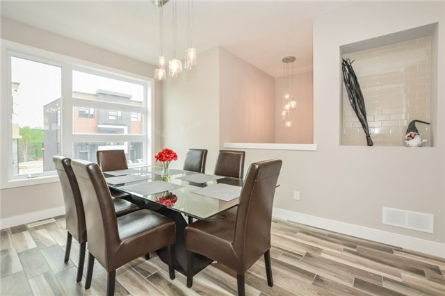 Condo Townhouse at 60 Arkell Rd, Unit 21, Guelph, Ontario. Image 16