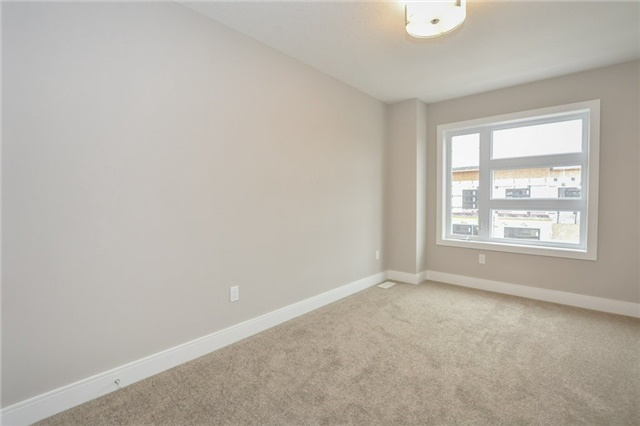Condo Townhouse at 60 Arkell Rd, Unit 21, Guelph, Ontario. Image 3