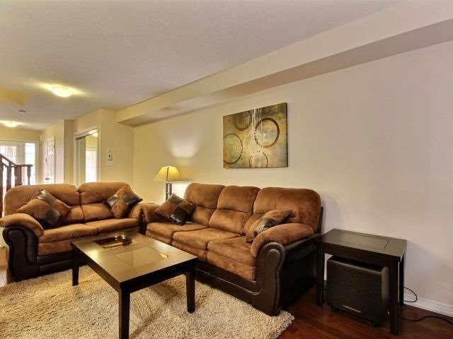Townhouse at 24 Lynch Cres, Hamilton, Ontario. Image 6