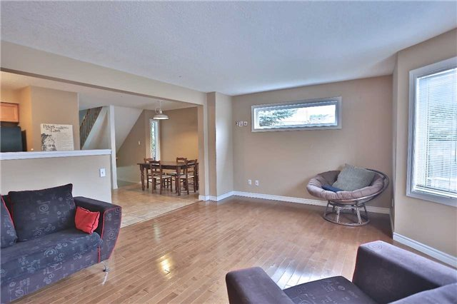 Townhouse at 105 Terraview Cres, Guelph, Ontario. Image 15