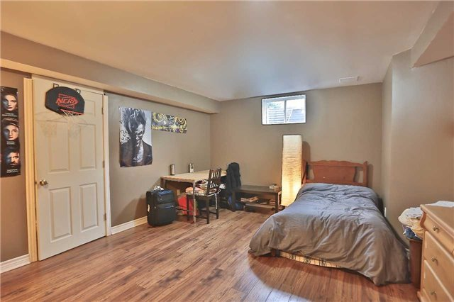 Townhouse at 105 Terraview Cres, Guelph, Ontario. Image 8