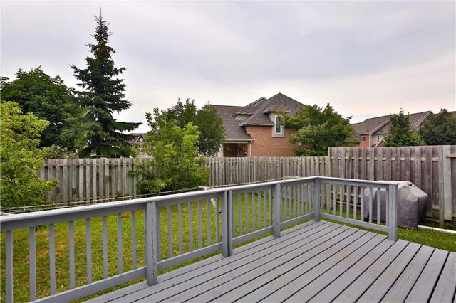 Townhouse at 105 Terraview Cres, Guelph, Ontario. Image 10
