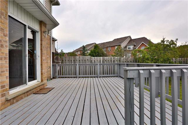 Townhouse at 105 Terraview Cres, Guelph, Ontario. Image 11