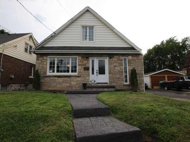 Detached at 26 West 3rd St, Hamilton, Ontario. Image 1