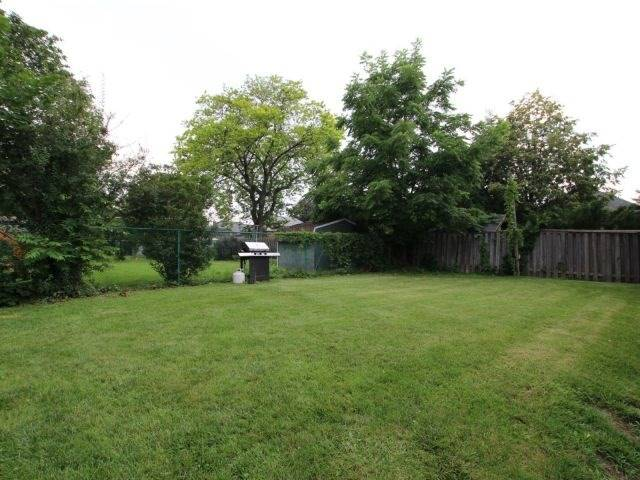 Detached at 26 West 3rd St, Hamilton, Ontario. Image 13