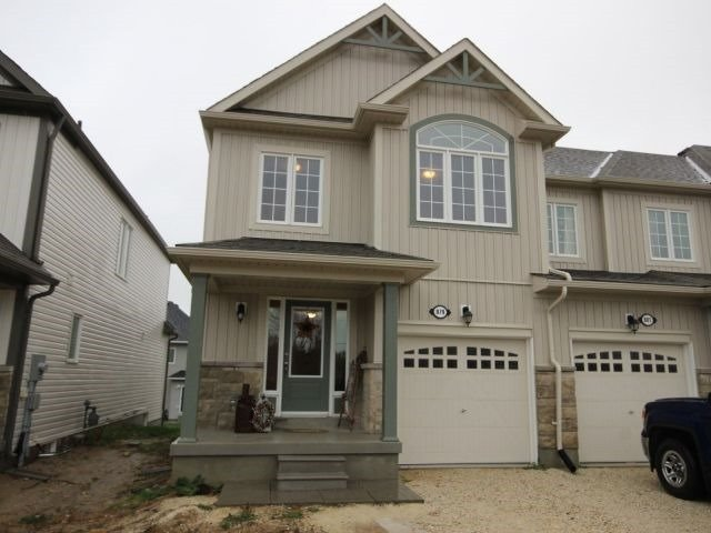 Townhouse at 879 Cook Cres, Shelburne, Ontario. Image 1