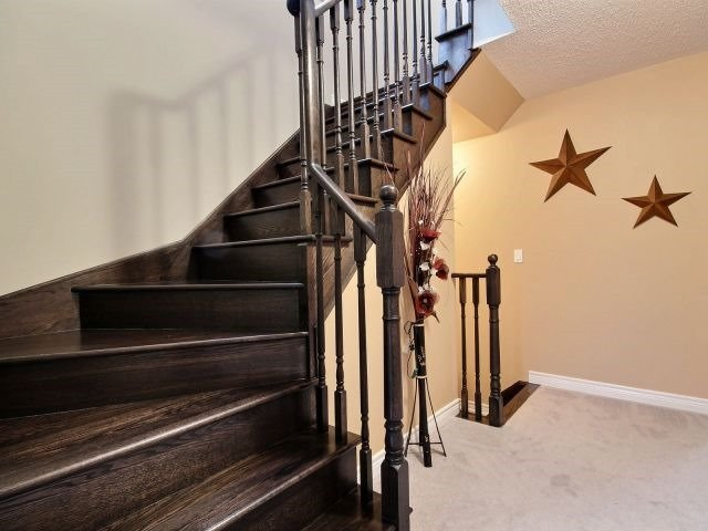 Townhouse at 879 Cook Cres, Shelburne, Ontario. Image 16