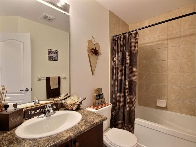 Townhouse at 879 Cook Cres, Shelburne, Ontario. Image 5