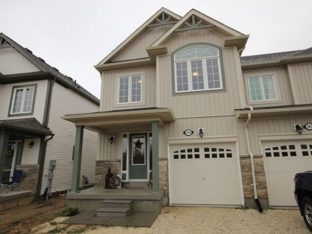 Townhouse at 879 Cook Cres, Shelburne, Ontario. Image 9