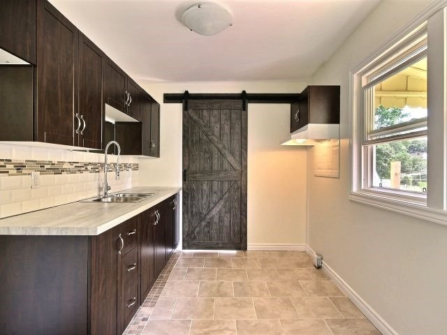 Detached at 49 Jasper Ave, Smiths Falls, Ontario. Image 12