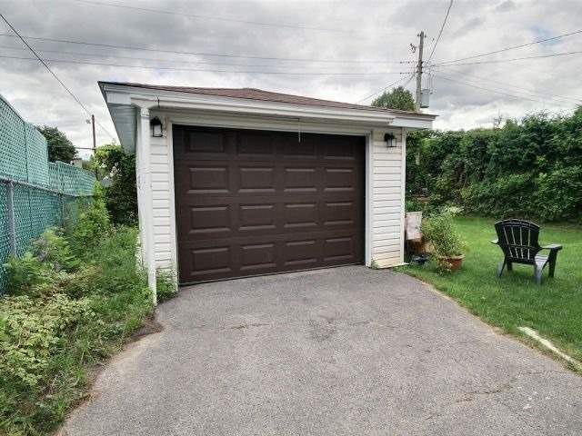Detached at 949 Beaudry St, Ottawa, Ontario. Image 14