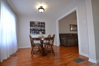 Detached at 515 Wilson  Rd, Cobourg, Ontario. Image 4