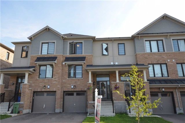 Townhouse at 60 Crafter Cres, Hamilton, Ontario. Image 1