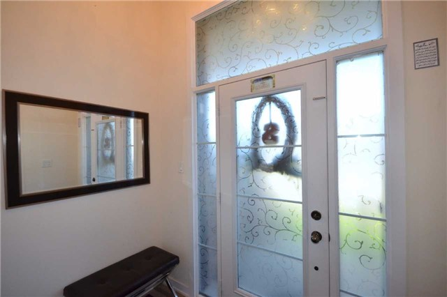 Townhouse at 60 Crafter Cres, Hamilton, Ontario. Image 12