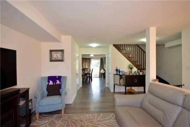 Townhouse at 60 Crafter Cres, Hamilton, Ontario. Image 13