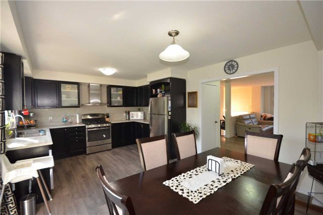Townhouse at 60 Crafter Cres, Hamilton, Ontario. Image 2