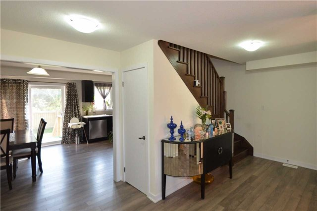 Townhouse at 60 Crafter Cres, Hamilton, Ontario. Image 3