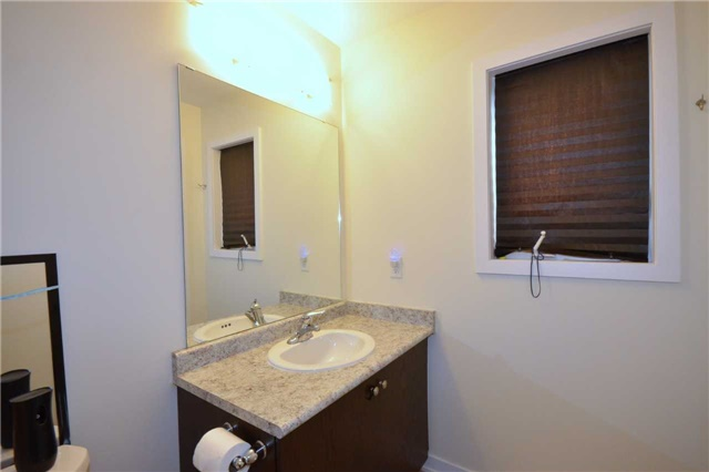 Townhouse at 60 Crafter Cres, Hamilton, Ontario. Image 6