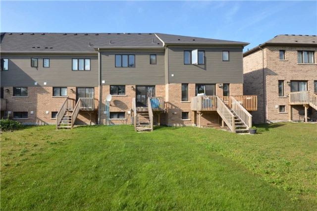 Townhouse at 60 Crafter Cres, Hamilton, Ontario. Image 10