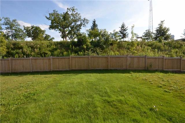 Townhouse at 60 Crafter Cres, Hamilton, Ontario. Image 11