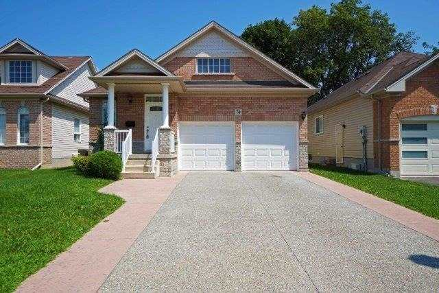 Detached at 70 Shakespeare Ave, St. Catharines, Ontario. Image 1