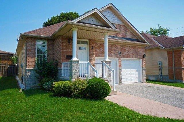 Detached at 70 Shakespeare Ave, St. Catharines, Ontario. Image 12